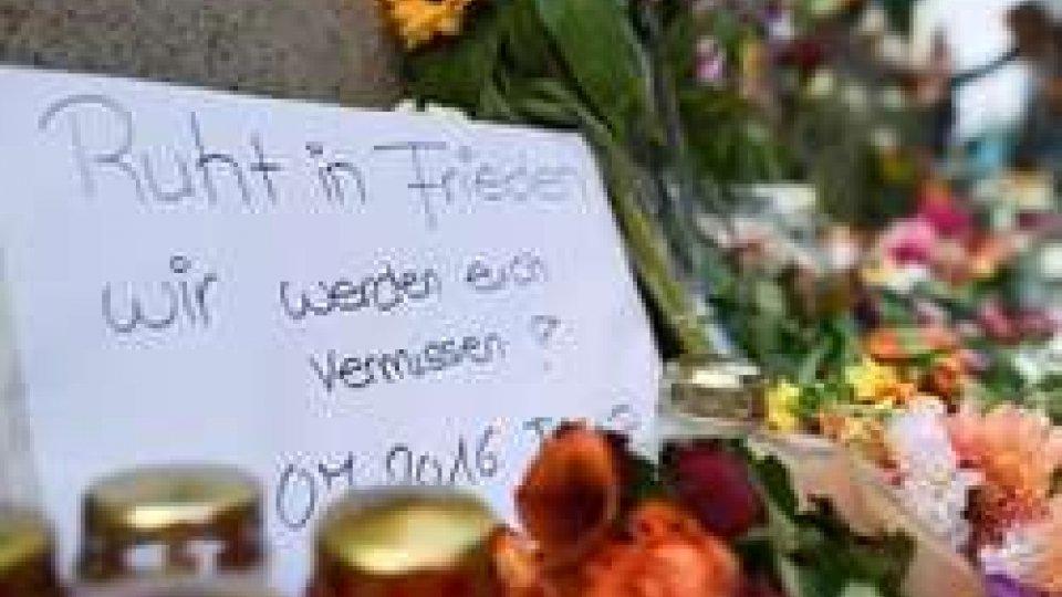 Il killer di Monaco aveva disturbi psichici e il suo mito era BreivikIl killer di Monaco aveva disturbi psichici e il suo mito era Breivik