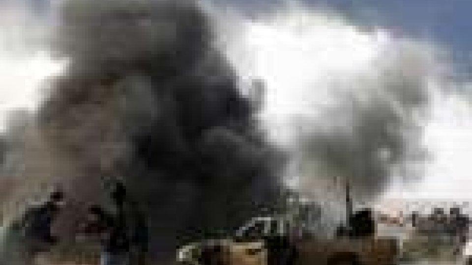 Tripoli scossa dai bombardamenti