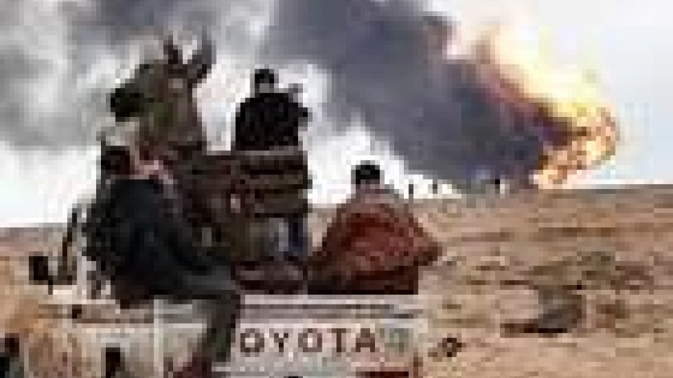 Afghanistan: autobomba ad aeroporto, nove morti