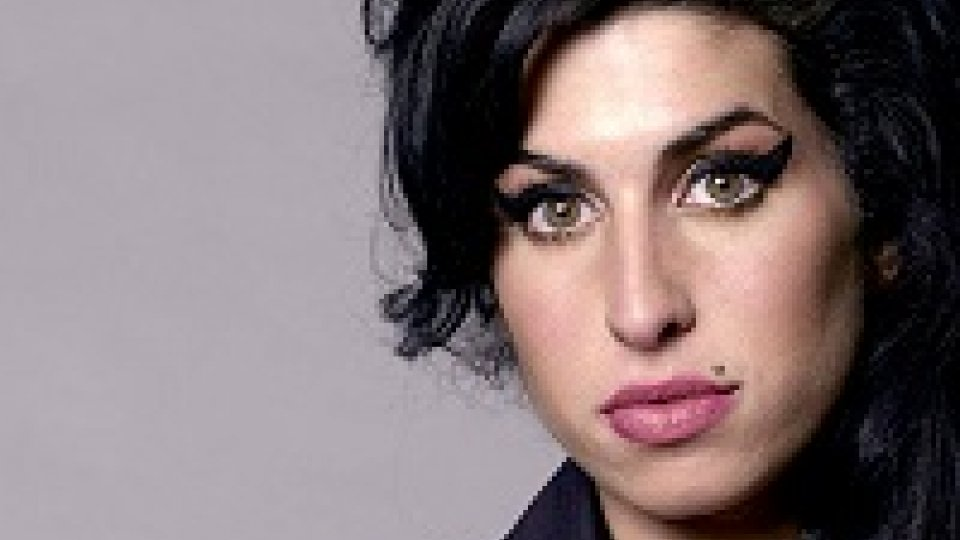 Amy Winehouse, esce doc Back to Black