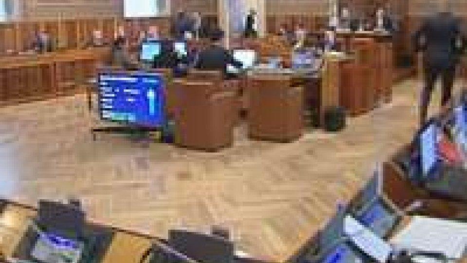 L'Aula si scontra su politica estera e voto di scambio
