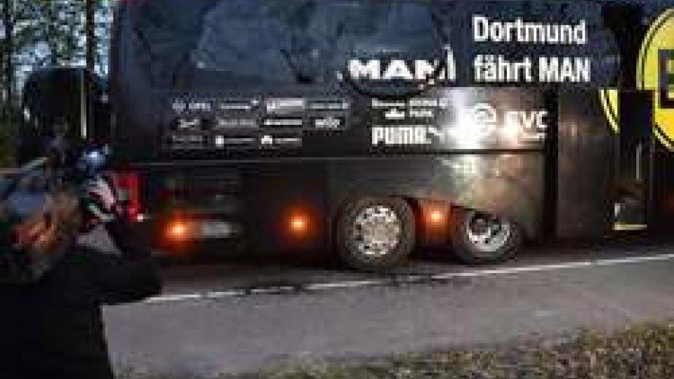 Bombe contro bus del Borussia Dortmund