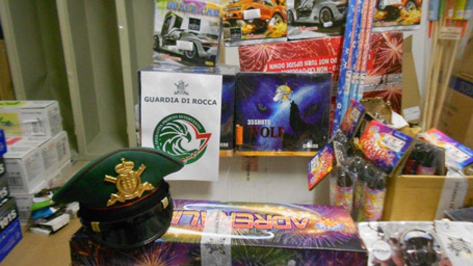 Gli articoli pirotecnici sequestratiSan Marino: la Guardia di Rocca sequestra ingente quantitativo di fuochi d'artificio