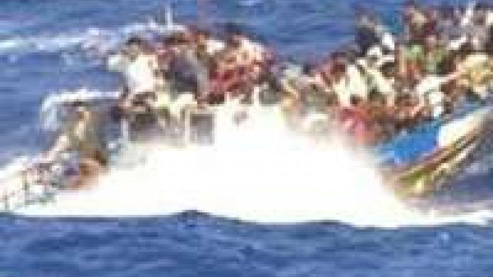 Naufragio: Ue, operazione militare contro trafficanti