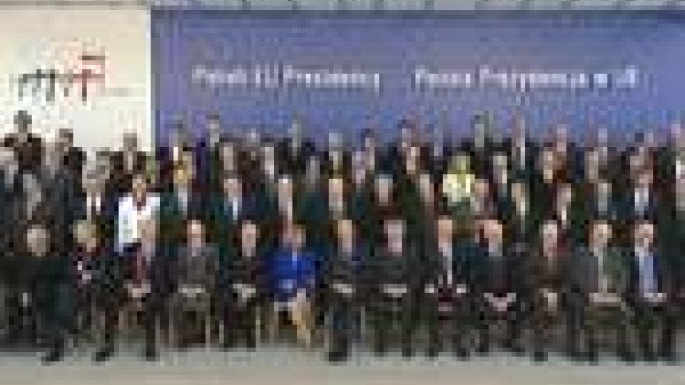 Ecofin. Presente anche Timoty Geithner. Aumentare il fondo anticrisi