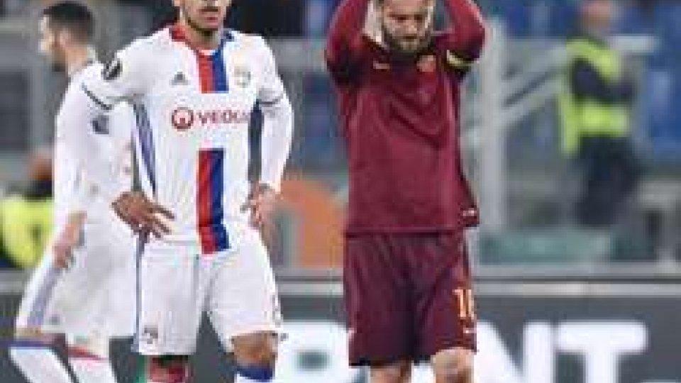 La Roma esce dall'Europa LeagueRoma fuori dall'Europa League. Con il Lione finisce 2-1