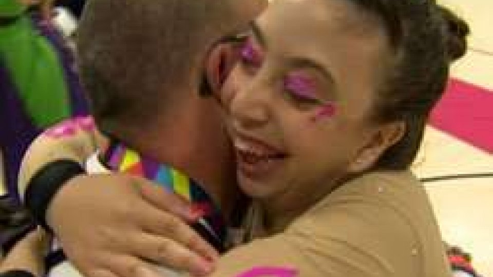L'abbraccio fra Deborah e GiuseppeSpecial Olympics: il medagliere biancazzurro si arricchisce di 5 medaglie di bronzo