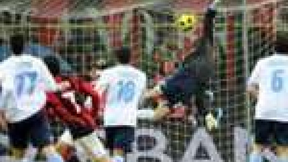 Serie A: il Milan non perdona, l'Inter segue. Disastro Juve