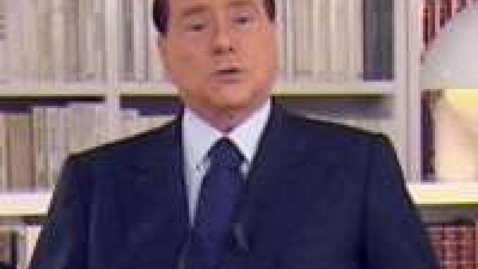 """Berlusconi nel videomessaggio: """"non mi faccio da parte"""""""