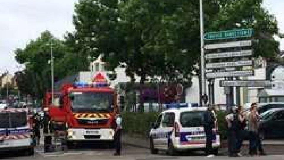 Saint-Etienne-du RouvrayAncora terrore in Francia: sgozzato un prete