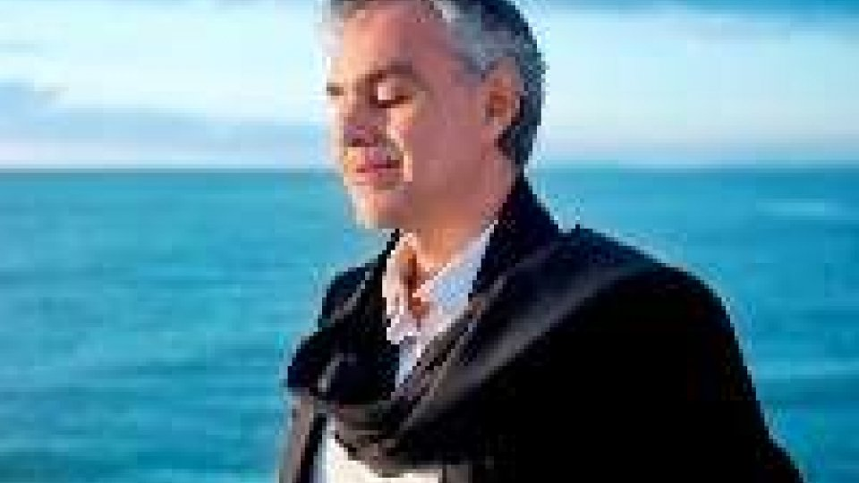 Andrea Bocelli in concerto, collaborerà con un robot