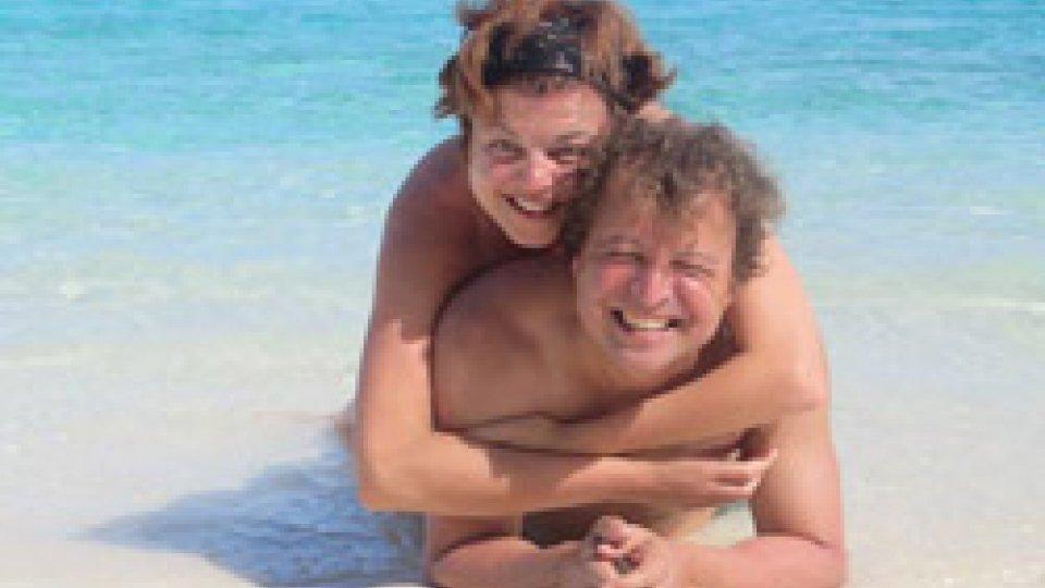 Marina Stacchini assieme al maritoTerremoto Indonesia, una coppia di San Marino da Bali tenta rientro anticipato