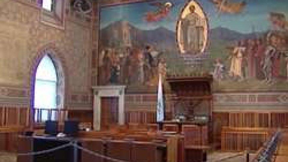 L'aula consigliareRegolamento Consiliare e Statuto opposizioni: riscrivere le regole del gioco