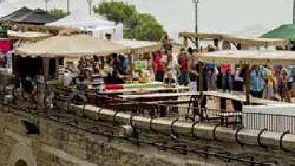 """Una panoramica su Via Eugippo""""Mi gusto"""" dalla tradizione allo street food, due giorni di prelibatezze e musica"""
