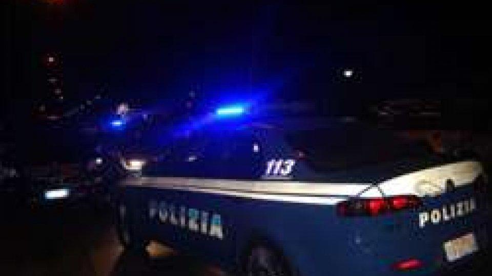 Polizia in servizio notturno
