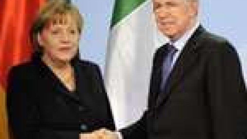 """La Merkel a Monti: """"Fatto sforzo straordinario"""""""