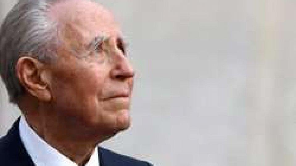 """A Roma l'ultimo saluto al """"presidente degli italiani"""", Carlo Azeglio Ciampi"""