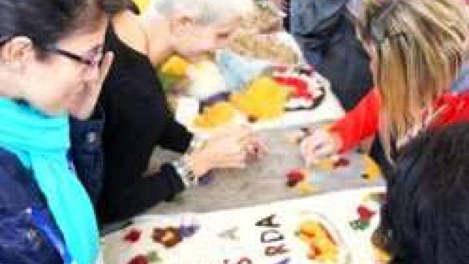a Expo la Sardegna porta il suo Social CarpetUn tappeto tessuto da oltre duemila mani: a Expo la Sardegna porta il suo Social Carpet