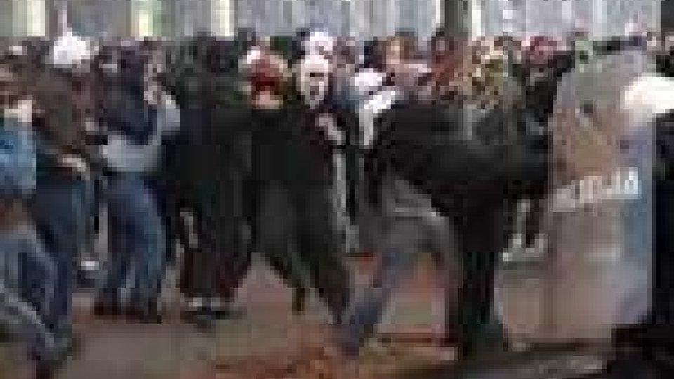 Violenti scontri a Varsavia durante il giorno dell'indipendenza della Polonia