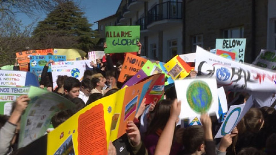 il flash mob alle medieGlobal Strike for Future: grande partecipazione a San Marino