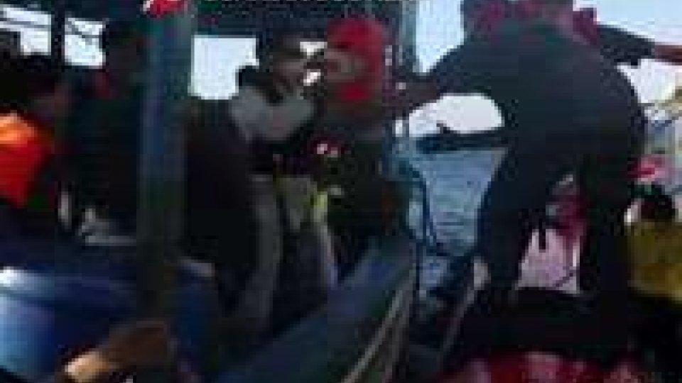 Naufragio nel canale di Sicilia: si teme la più grave strage di sempreNaufragio nel canale di Sicilia: si teme la più grave strage di sempre. Il commento di Filippo Marini, portavoce Guardia Costiera