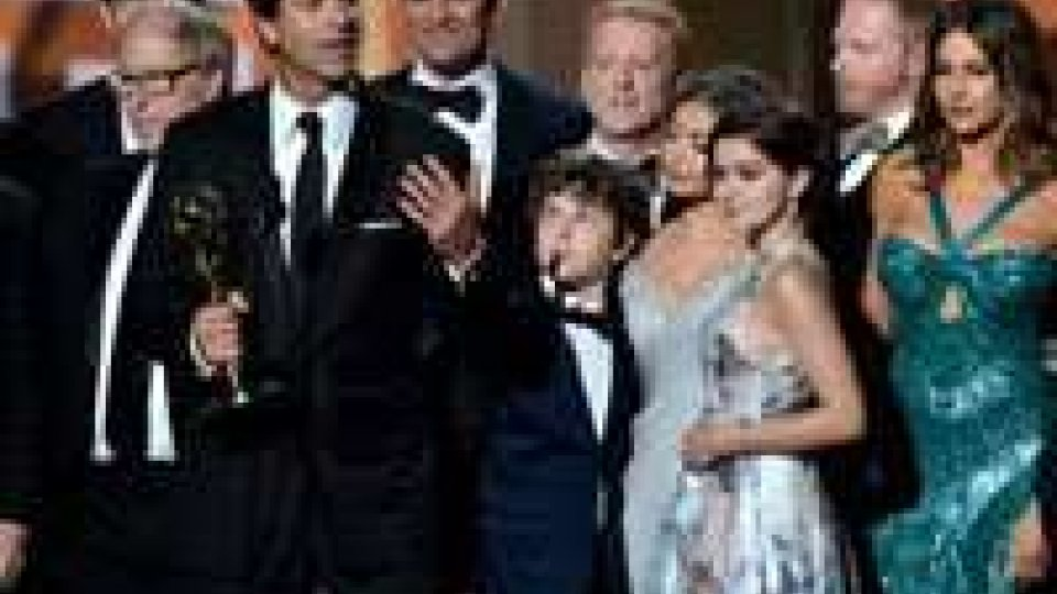 Modern Family e Homeland vincono gli Emmy awards 2012