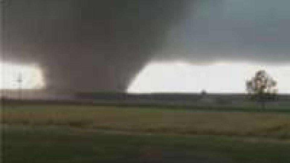 Tornado in Texas: vittime, dispersi e centinaia di feriti