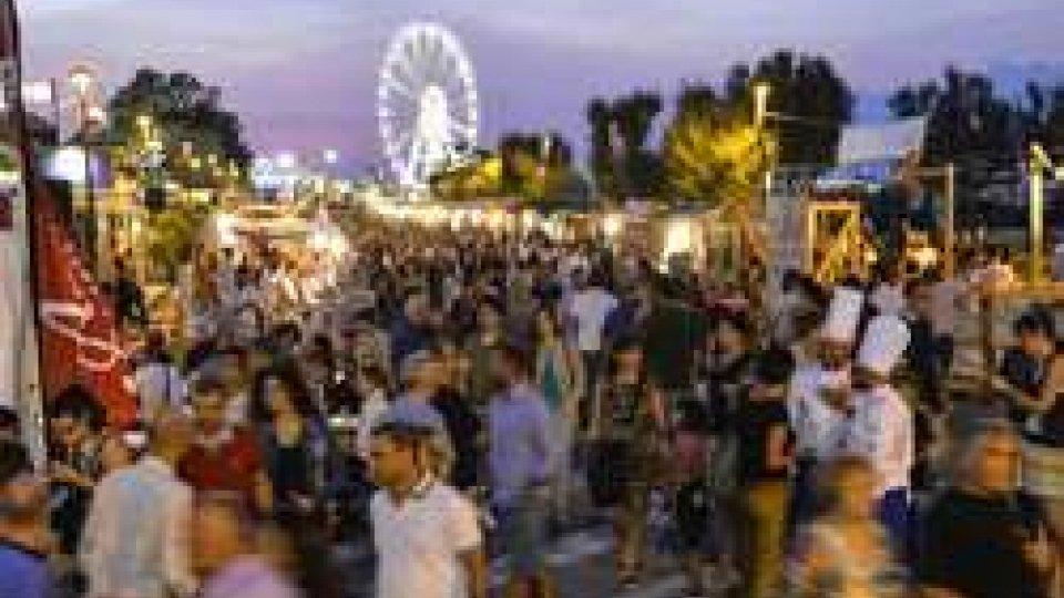 Al Meni, la festa del gusto e dello street food stellato, fa segnare il tutto esaurito