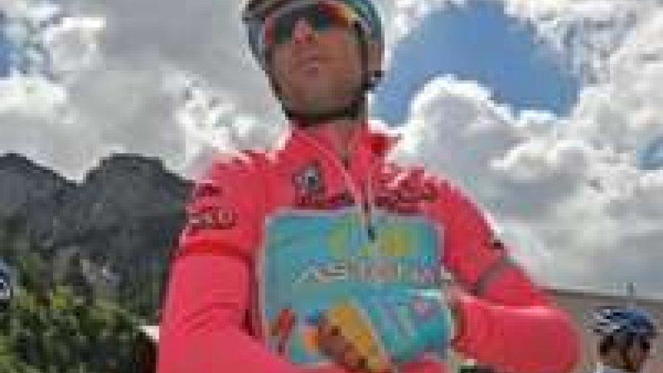 Giro d'Italia: sul Vajont vince Navardauskas, Nibali ancora in rosa