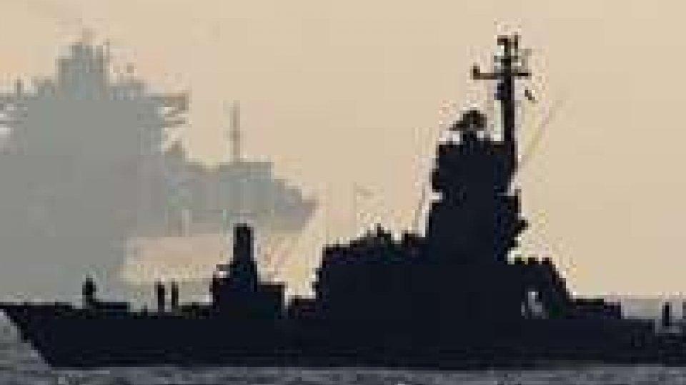 India: nave Usa bloccata, 35 arresti