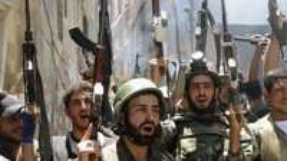 Siria, 79 morti negli scontri tra lealisti e ribelli
