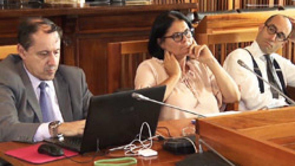 Commissione Consiliare Permanente Affari Costituzionali ed IstituzionaliAgosto caldo in politica: tensioni e reciproche accuse, dalle Commissioni ai social