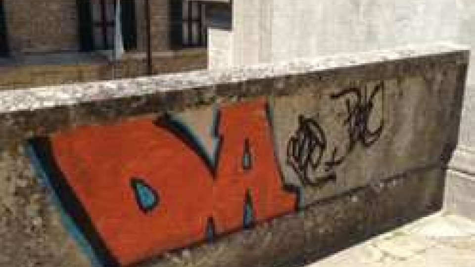 San Marino: iniziata la ripulitura dei monumenti imbrattati dai vandali