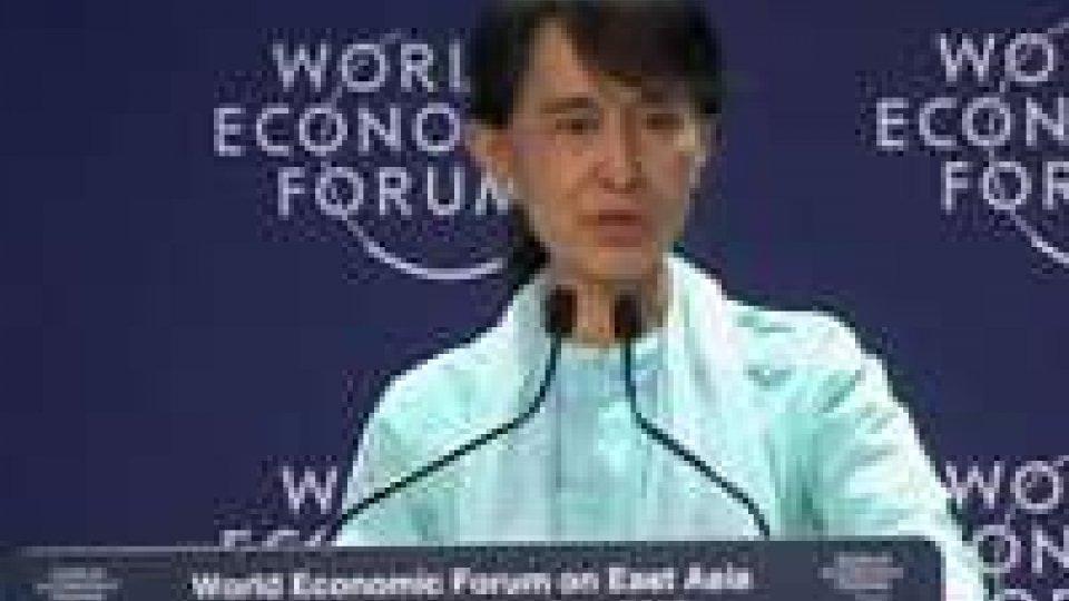 Aung San Suu Kyi invita investitori stranieri ad aiutare la Birmania