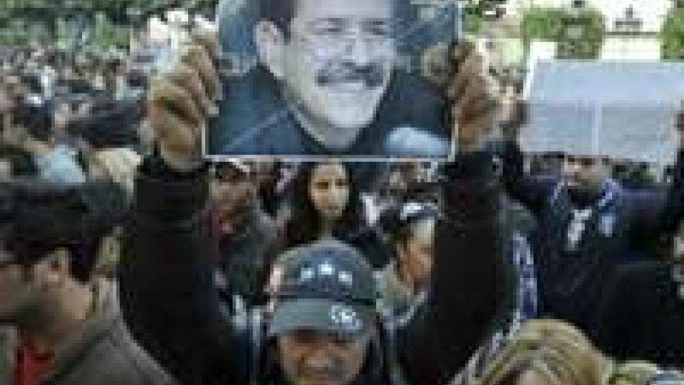 Tunisia paralizzata dai funerali di Belaid