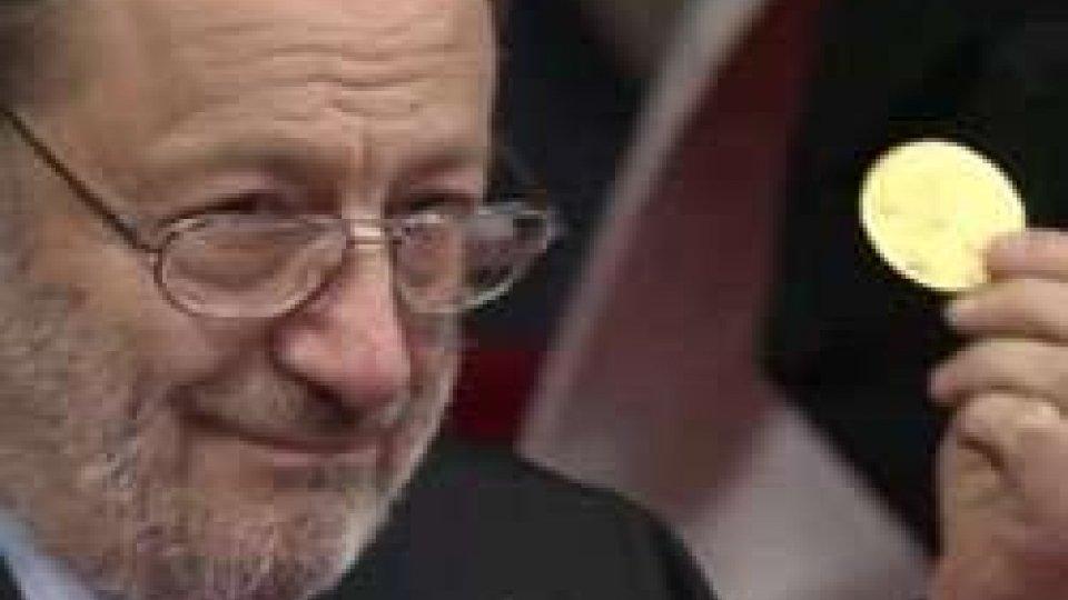Umberto Eco al microfono di RTVCultura in lutto, è morto Umberto Eco