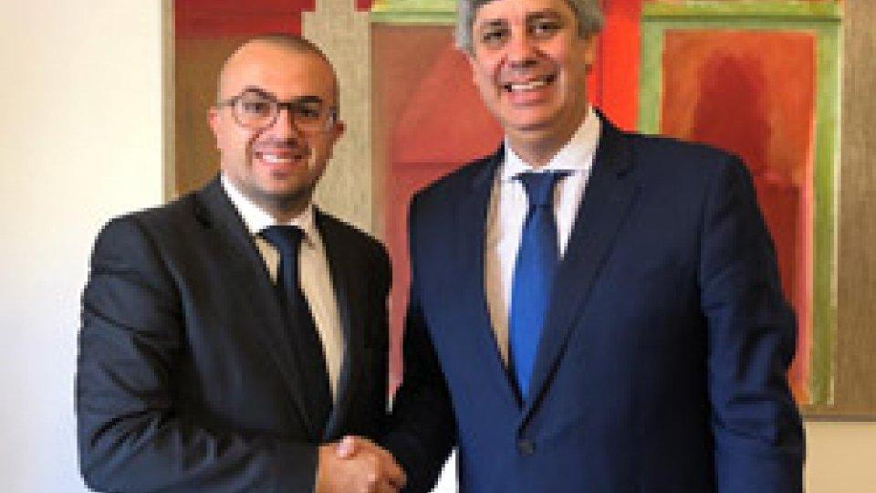 Il Segretario Simone Celli con il Ministro delle Finanze del Portogallo Mario Centeno