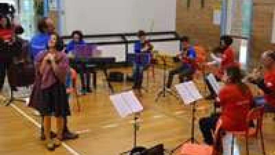 """L'Istituto Musicale porta la musica nelle scuole elementari con lo spettacolo """"Brighella's Orchestra"""""""
