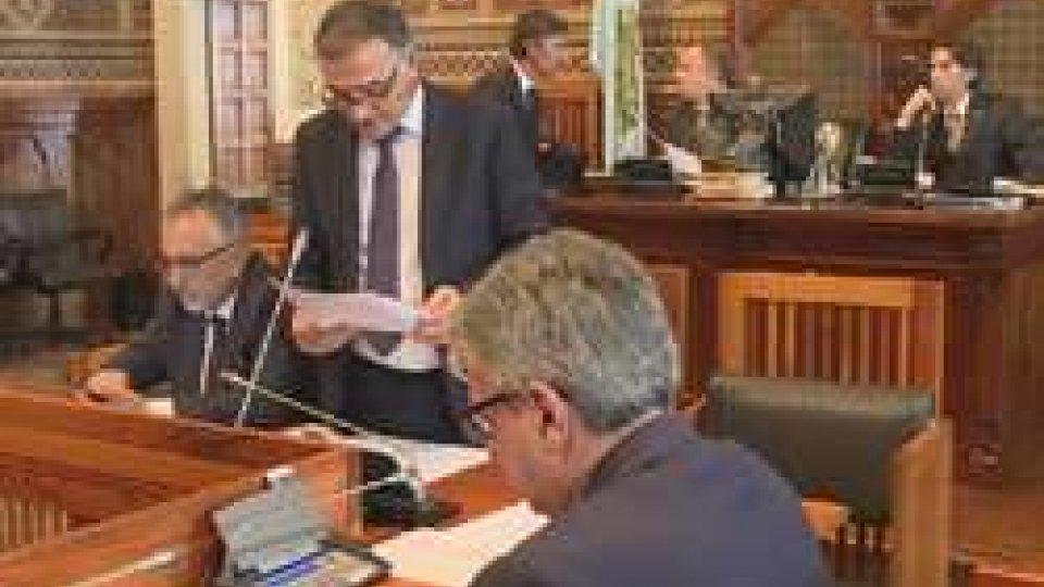 Consiglio: il contributo elettorale ai partiti rimane raddoppiato; si discutono le Istanze sull'aborto