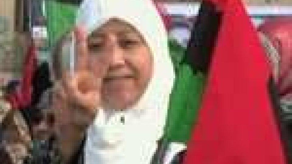Libia: forze lealiste alle porte di Bengasi