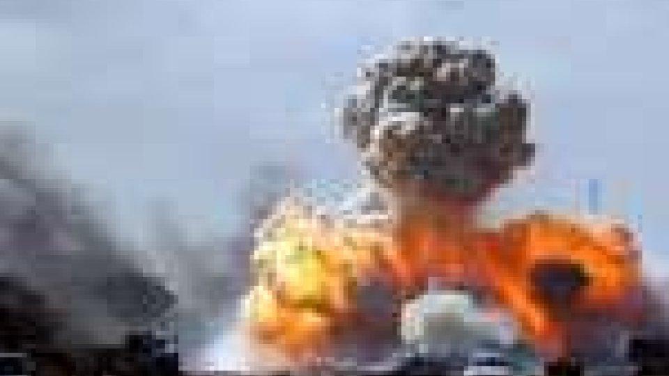 Libia: seconda notte di raid della Nato su Tripoli. 19 morti