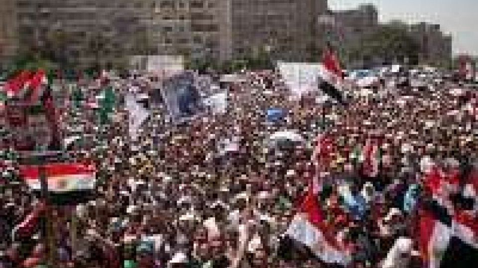 Egitto: manifestazione pro Morsi e visita vice segretario Usa