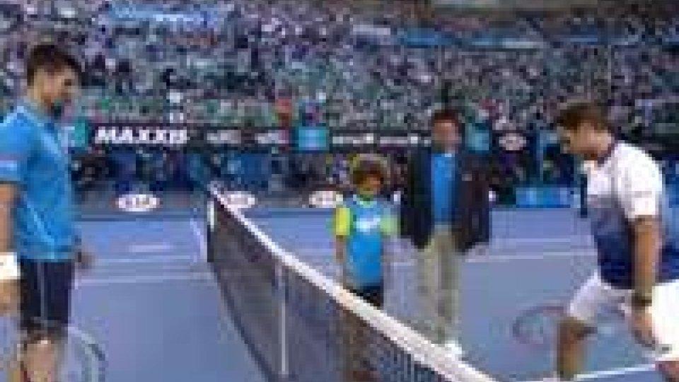 Australian Open: Djokovic vola in finale con Murray