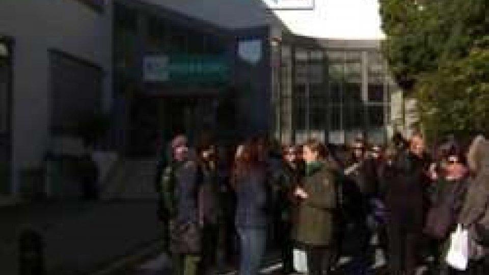 One Gallery Outlet, tutti i lavoratori hanno scioperato per protestare contro il mancato pagamento degli stipendi