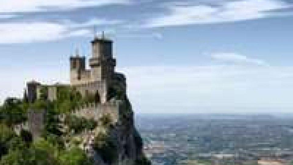 """Tre sguardi su San Marino nella mostra fotografica """"Trittico d'autore""""Tre sguardi su San Marino nella mostra fotografica """"Trittico d'autore"""""""