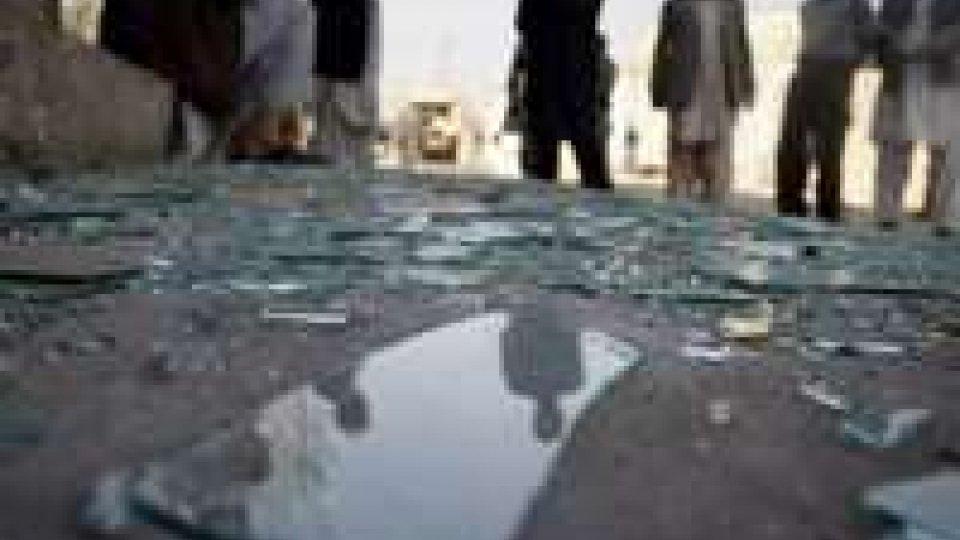 Afghanistan: autobomba a Jalalabad, 2 le vittime