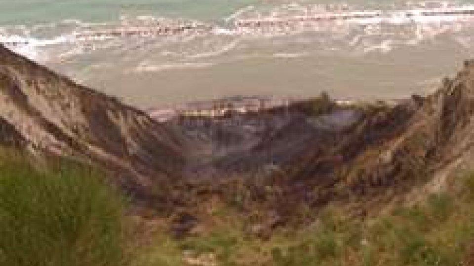 L'area bruciata a Fiorenzuola di FocaraParco San Bartolo: chiesto stato emergenza per Fiorenzuola e Casteldimezzo