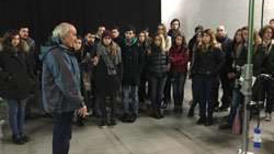 CORSI DI LAUREA IN DESIGN: STUDENTI IN VIAGGIO PER SCOPRIRE LE OPERE DI PAOLO ROSA