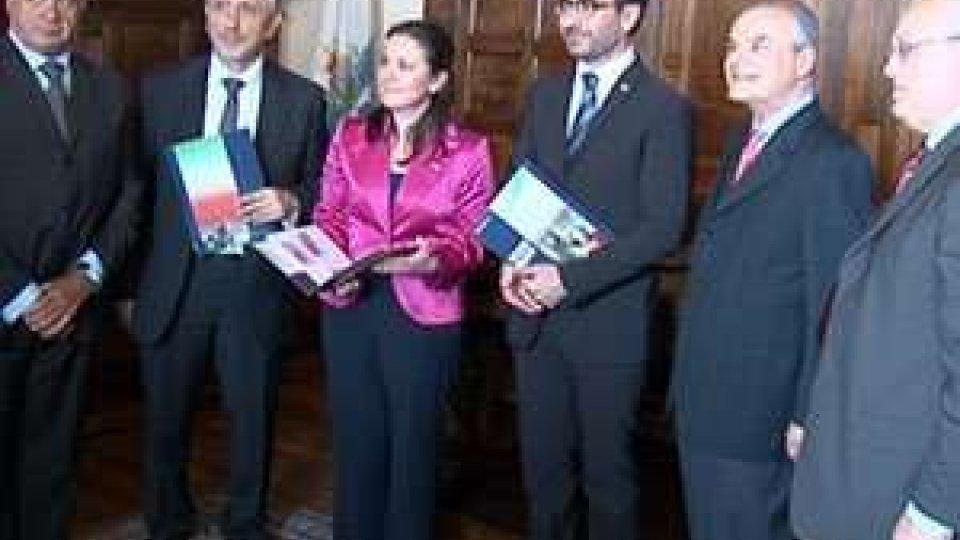 San Marino - Presentata ai Reggenti emissione filatelica sull'unità d'Italia e Garibaldi