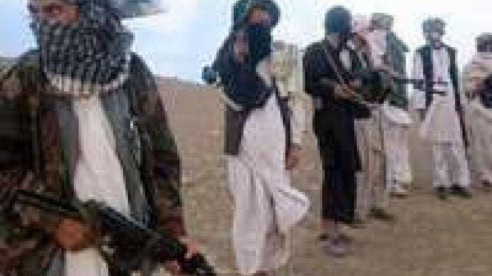 Talebani sequestrano 11 stranieri